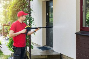 ניקוי בתים בלחץ מים