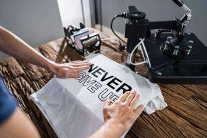 חולצה עם הדפס