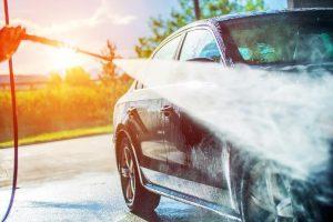 שטיפת מכונית בעזרת גרניק
