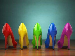 נעלי עקב מעוצבות בשלל גוונים